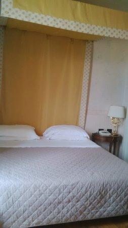 Civitella del Tronto, Italy: baldacchino che romantico