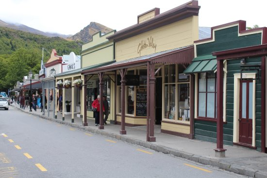 Arrowtown Village shops