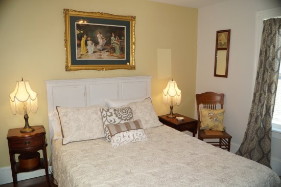 Fayetteville, NY: Charlotte's Room. $ 135.00 per night.  Includes breakfast served in the parlor.