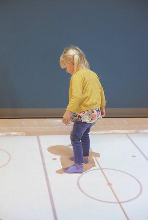 Penticton, Canada: Interactive Playfloor
