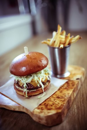 Rancho Santa Fe, CA: California Burger