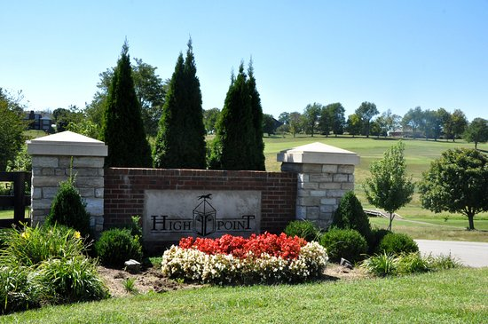 Nicholasville, KY : Entrance to Thoroughbred Golf Club at High Point