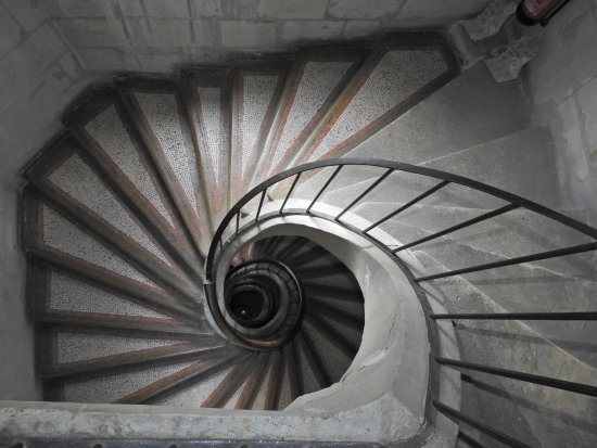 Chinon, France: beautiful staircase