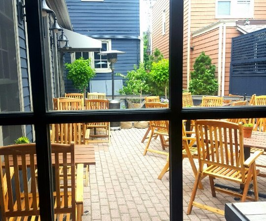 Greenwich, كونيكتيكت: outdoor patio