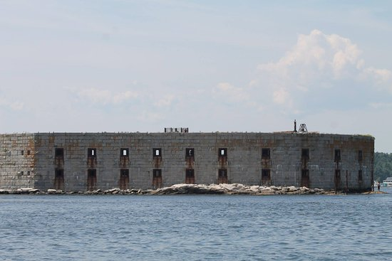 Bath, ME: Passing Fort Popham on the way back to shore from Seguin Island Lighthouse