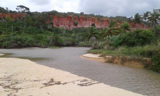 Nativos Beach: Em Trancoso na praia dos Nativos, um local muito bonito onde o rio desenboca no mar. .