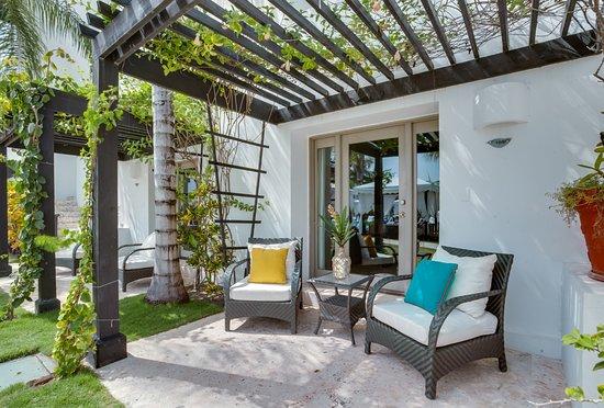 Las Terrazas Resort: Resort View Patio