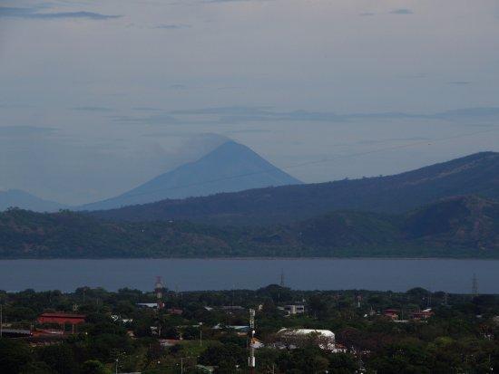 Departamento de Granada, Nicarágua: Volcan Momotombo