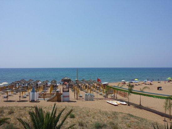 Hotel Residence Pompeo : spiaggia privata hotel pompeo residence
