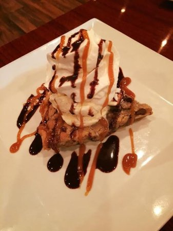 Royal Palm Beach, FL: walnut pie