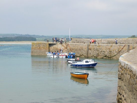 Marazion, UK: A boat trip back to shore cheap at £2.00