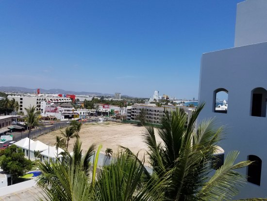 Ramada Resort Mazatlan: You can see the malecon in the distance, and the Soriana (tall red sign, left side)