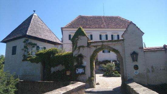 Schloss Kapfenstein - Anlage
