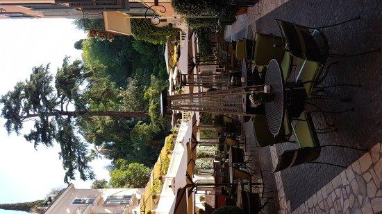 Le Jardin de Russie: Ресторан в саду