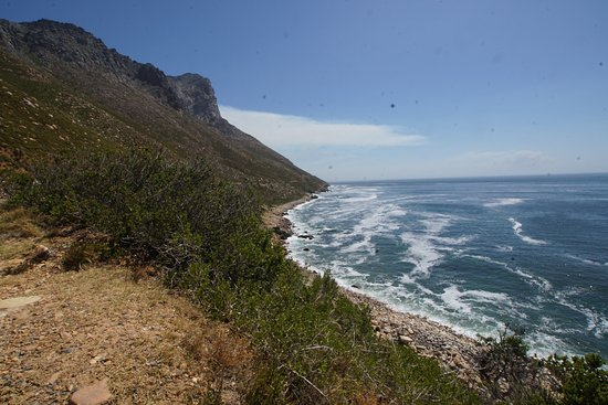 Hermanus, Zuid-Afrika: rauhe Küste an der Whale Coast