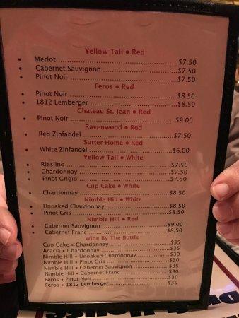 Lewisburg, PA: Interior, menu and tableside guacamole!