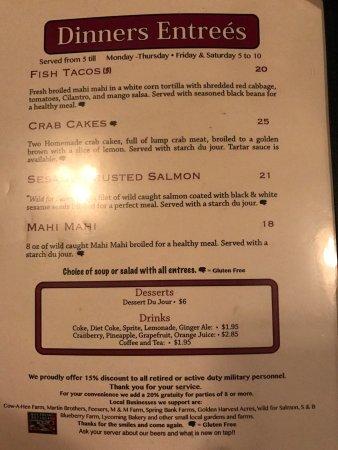 Lewisburg, Pensylwania: Interior, menu and tableside guacamole!