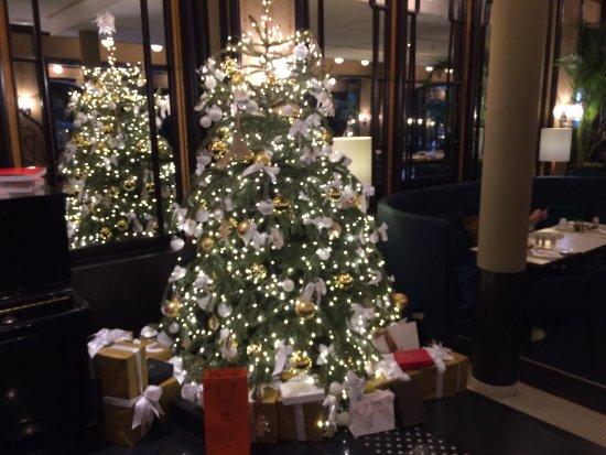 Le sapin de Noël   Picture of Hotel L'Echiquier Opera Paris