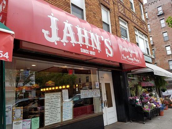 Jackson Heights, นิวยอร์ก: the diner