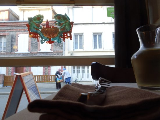 Le clos Lupin: Blick aus dem Restaurant