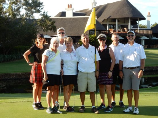 Malelane, Zuid-Afrika: Group photo on 18th green.
