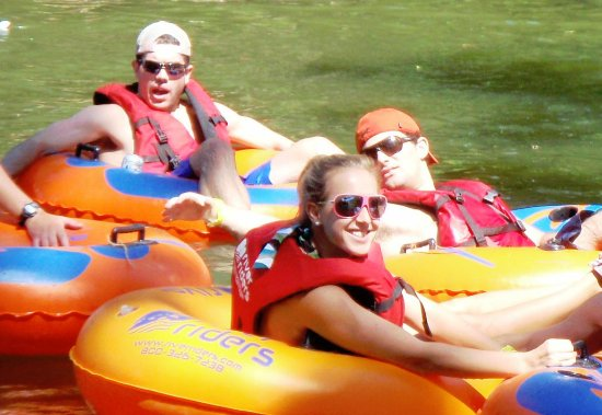 Harpers Ferry, Virgínia Ocidental: Tubing fun with Friends