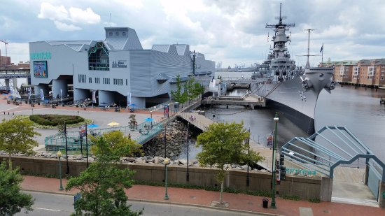 Battleship Wisconsin : Nautilus and the Wisconsin, Norfolk, VA