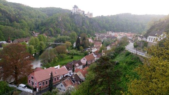 Vranov nad Dyji, Чехия: Вид с горы на городок и Замок