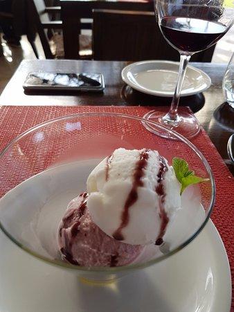 Лухан-де-Куйо, Аргентина: Helado de Malbec y Sauvignon Blanc