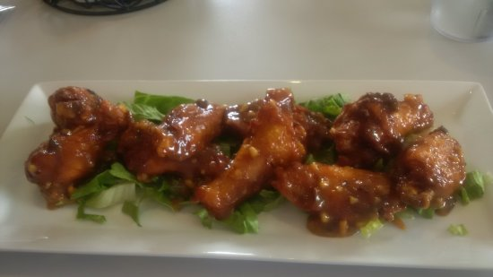 Innisfail, Canada: Peanut Butter and Jelly Wings - Delicious!