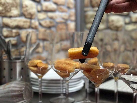 Al Muretto: Tiramisù all'arancia e cioccolato bianco (back stage)