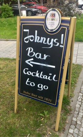 Johnys! Bar