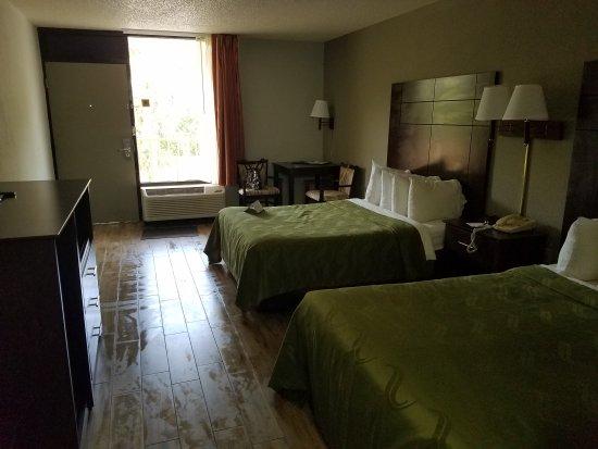 Quality Inn & Suites : 20170519_135539_large.jpg