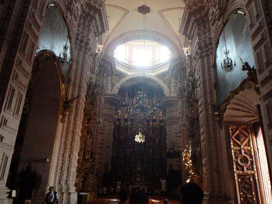 Santa Prisca de Taxco : Foto desde la entrada de la iglesia
