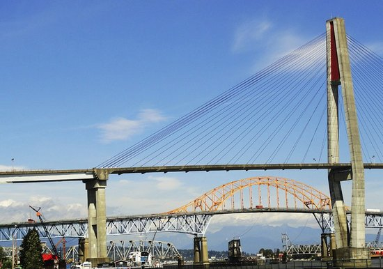 New Westminster, Canada: BRIDGES