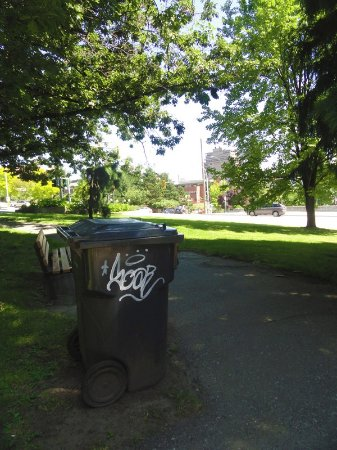 New Westminster, Canada: GRAFFITI