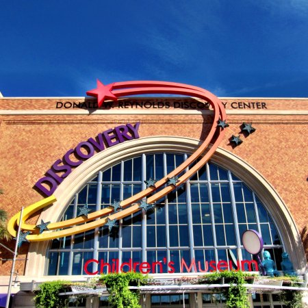 ‪DISCOVERY Children's Museum‬