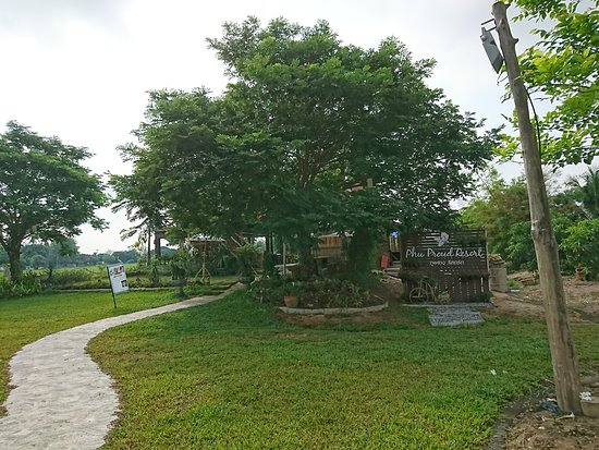 Lamphun, Tailândia: DSC_0542_large.jpg