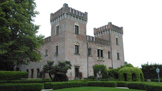 veduta del castello di bevilacqua