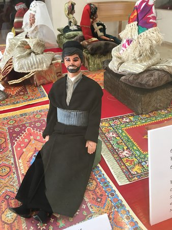 Museum of Moroccan Judaism: Period doll