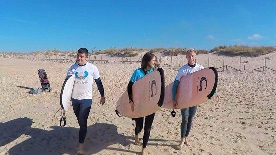 El Palmar, Испания: Amigos de Austria , estudiantes de Español en Málaga , disfrutando de un fin de semana de Surf