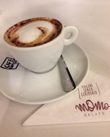 Momo Gelato: Excelente sorvete e café.. ambiente clean, música agradável e funcionários atenciosos. Vale conf