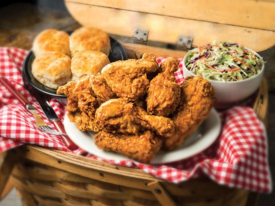 Cedar Rapids, IA: May be called Pizza Ranch but its the Chicken you will fall in love with!