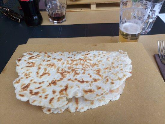 Sassuolo, Italia: piadina n. 8 con birretta