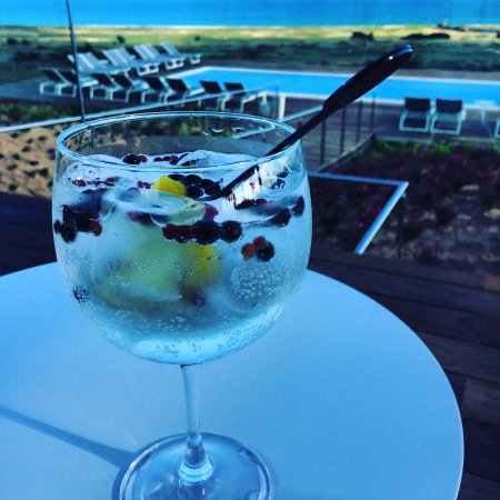 Onyria Palmares Golf: G&T on the terrace