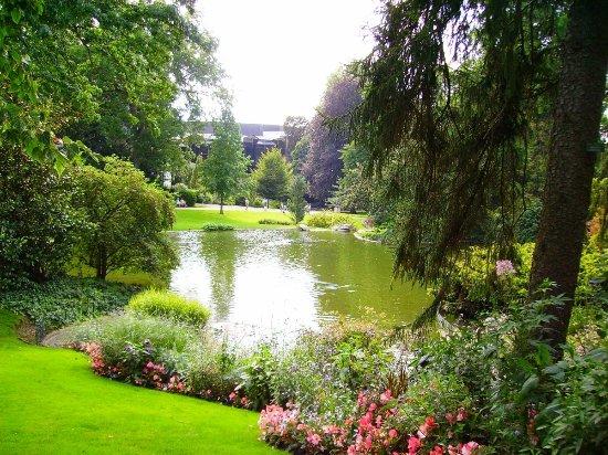 Piece D Eau Dans Le Jardin Des Plantes Photo De Jardin Des