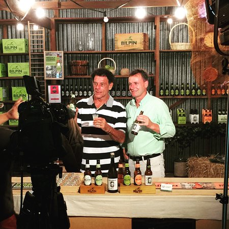 Bilpin, Australia: With Mike Whitney shooting Sydney Weekender