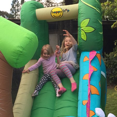 Bilpin, Australia: Having fun on the Jumping Castle while Mum and Daf enjoy a relaxed tasting.