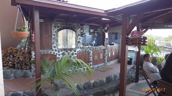 Bed and Breakfast Miradouro da Papalva Guest House INN ID No. #1229: Breakfast/BBQ area