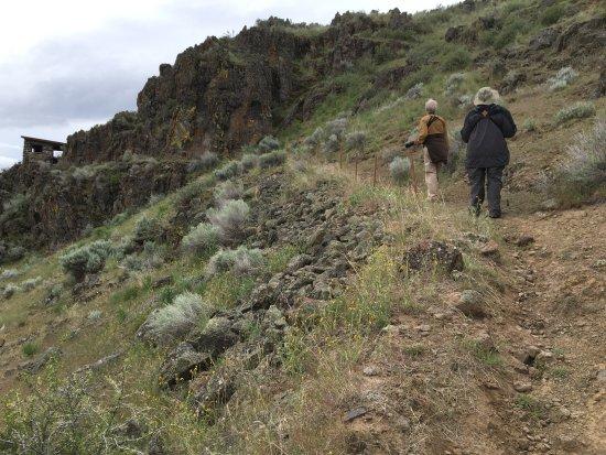 Tulelake, CA: Hiking toward rock shelter above the nature center.
